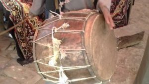 Dhol Musical instruments used in Uttarakhand